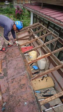 古い屋根の解体